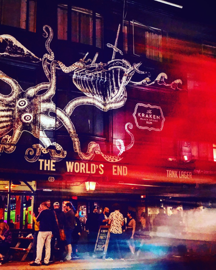 World's End - front of pub (1)